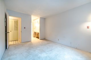 """Photo 16: 204 1360 MARTIN Street: White Rock Condo for sale in """"WEST WINDS"""" (South Surrey White Rock)  : MLS®# R2429363"""