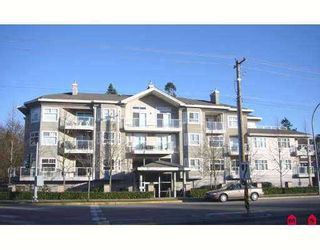 "Photo 1: 8976 208TH Street in Langley: Walnut Grove Condo for sale in ""Oakridge"" : MLS®# F2707851"