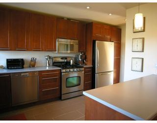 Photo 4: 2607 W 34TH Avenue in Vancouver: MacKenzie Heights House for sale (Vancouver West)  : MLS®# V753049