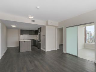 Photo 5: 810 111 E 1ST AVENUE in Vancouver: Mount Pleasant VE Condo for sale (Vancouver East)  : MLS®# R2135832