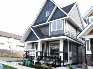 "Photo 1: 19068 68TH Avenue in Surrey: Clayton House for sale in ""Clayton Hill"" (Cloverdale)  : MLS®# F1320338"