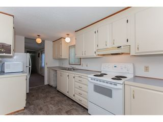 """Photo 8: 46 15875 20 Avenue in Surrey: King George Corridor Manufactured Home for sale in """"SEA RIDGE BAYS"""" (South Surrey White Rock)  : MLS®# R2192542"""