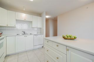 """Photo 10: 1803 612 SIXTH Street in New Westminster: Uptown NW Condo for sale in """"The Woodward"""" : MLS®# R2545610"""
