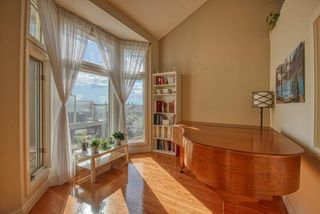Photo 8: 103 MT ASSINIBOINE Circle SE in Calgary: McKenzie Lake Detached for sale : MLS®# A1119422