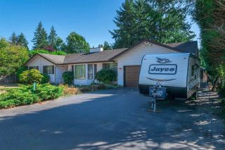 Photo 3: 20492 40 Avenue in Langley: Brookswood Langley House for sale : MLS®# R2557324