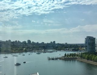Photo 1: 1501 1383 MARINASIDE CRESCENT in Vancouver: Yaletown Condo for sale (Vancouver West)  : MLS®# R2195736
