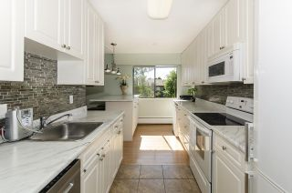 """Photo 5: 304 170 E 3RD Street in North Vancouver: Lower Lonsdale Condo for sale in """"BRISTOL COURT"""" : MLS®# R2480328"""