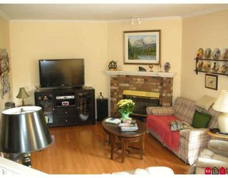 "Photo 5: 18567 60A Avenue in Surrey: Cloverdale BC House for sale in ""Eaglecrest"" (Cloverdale)  : MLS®# F2919005"