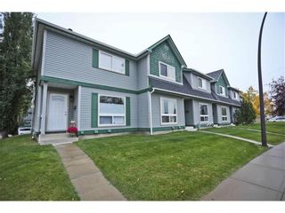 Main Photo: 20 75 Erin Croft Crescent SE in Calgary: Erin Woods Row/Townhouse for sale : MLS®# A1123306