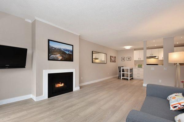 "Main Photo: 218 550 E 6TH Avenue in Vancouver: Mount Pleasant VE Condo for sale in ""LANDMARK GARDENS"" (Vancouver East)  : MLS®# R2143032"