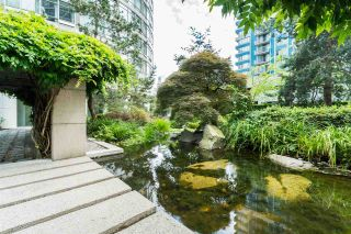 "Photo 2: 1606 1288 ALBERNI Street in Vancouver: West End VW Condo for sale in ""THE PALISADES"" (Vancouver West)  : MLS®# R2523792"