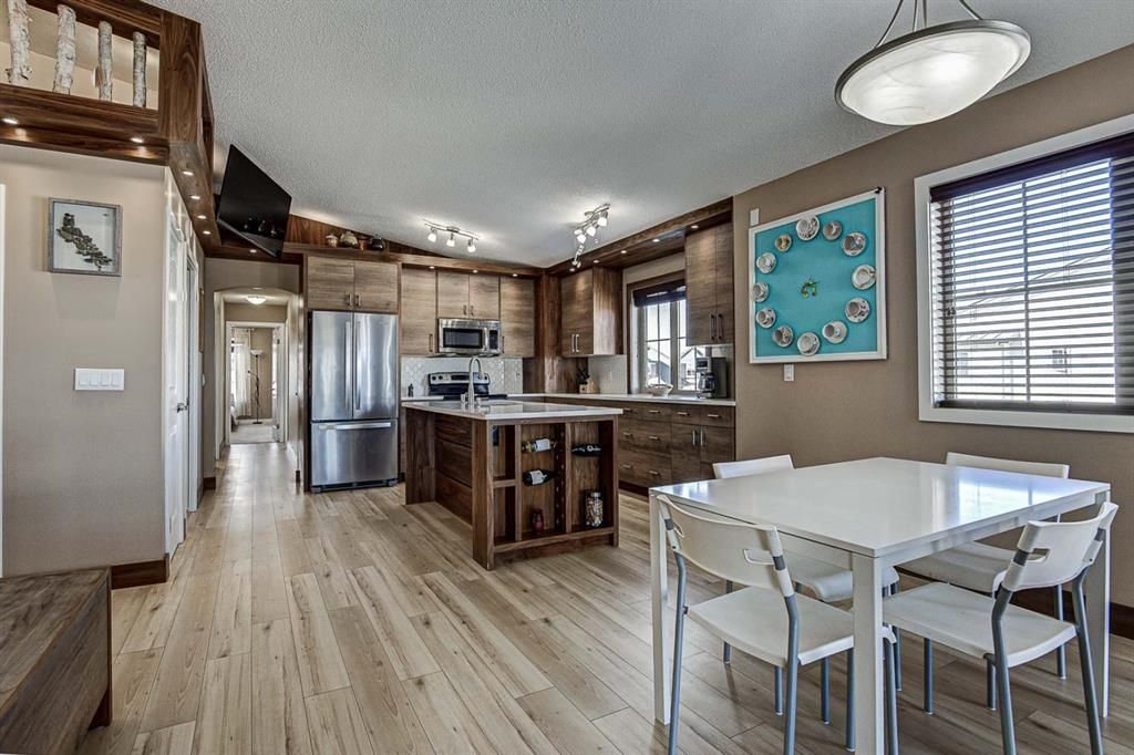 Photo 10: Photos: 230 EVERSYDE Boulevard SW in Calgary: Evergreen Apartment for sale : MLS®# A1071129