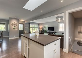 Photo 10: 33 Windermere Road SW in Calgary: Wildwood Detached for sale : MLS®# A1146094