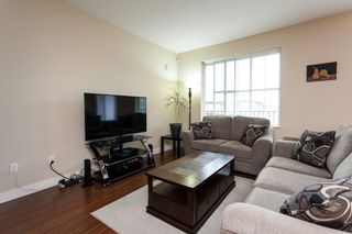 """Photo 7: 95 9525 204 Street in Langley: Walnut Grove Townhouse for sale in """"Time"""" : MLS®# R2104741"""