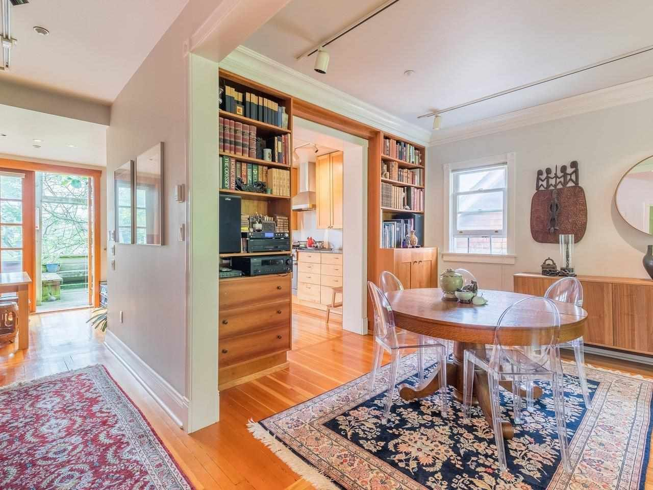 Photo 4: Photos: 2556 W 2ND Avenue in Vancouver: Kitsilano House for sale (Vancouver West)  : MLS®# R2593228