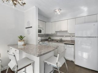 "Photo 7: 307 2120 W 2ND Avenue in Vancouver: Kitsilano Condo for sale in ""ARBUTUS PLACE"" (Vancouver West)  : MLS®# R2240959"
