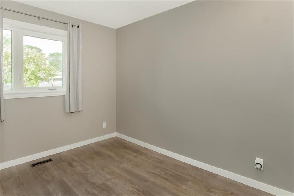 Photo 13: Photos: 31 Lamirande Place in Winnipeg: Richmond Lakes Residential for sale (1Q)  : MLS®# 202119515
