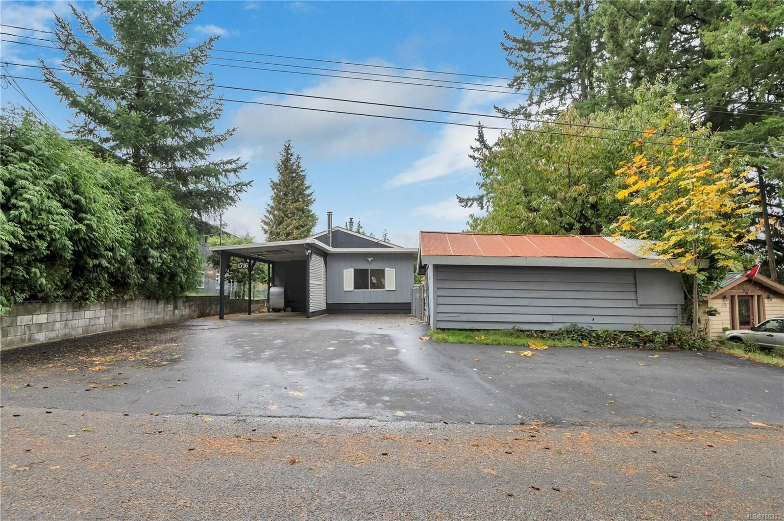 Main Photo: 1716 Highland Rd in Campbell River: CR Campbell River West Manufactured Home for sale : MLS®# 888303