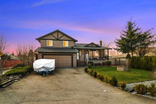 Photo 1: 6389 190 Street in Surrey: Cloverdale BC House for sale (Cloverdale)  : MLS®# R2553670