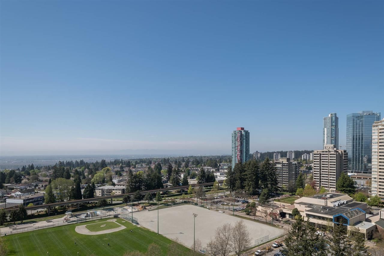 """Photo 17: Photos: 2106 6588 NELSON Avenue in Burnaby: Metrotown Condo for sale in """"The MET"""" (Burnaby South)  : MLS®# R2263344"""