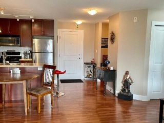 Photo 4: #216 246 HASTINGS Avenue, in Penticton: House for sale : MLS®# 190789