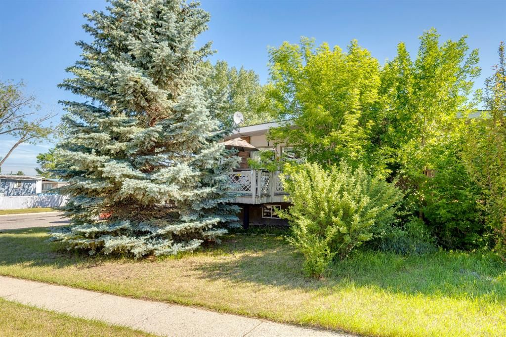 Main Photo: 43 A 2 Street: Strathmore Semi Detached for sale : MLS®# A1123746
