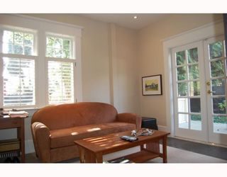 """Photo 6: 901 W 23RD Avenue in Vancouver: Cambie House for sale in """"DOUGLAS PARK"""" (Vancouver West)  : MLS®# V749791"""