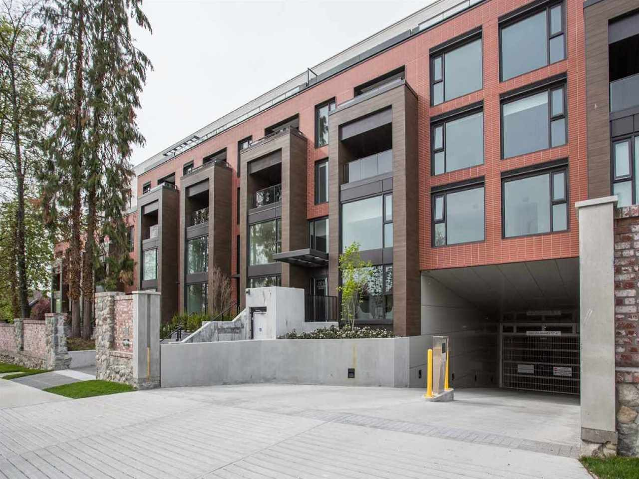 """Main Photo: 204 1571 W 57TH Avenue in Vancouver: South Granville Condo for sale in """"SHANNON WALL CENTRE - WILSHIRE HOUSE"""" (Vancouver West)  : MLS®# R2507482"""