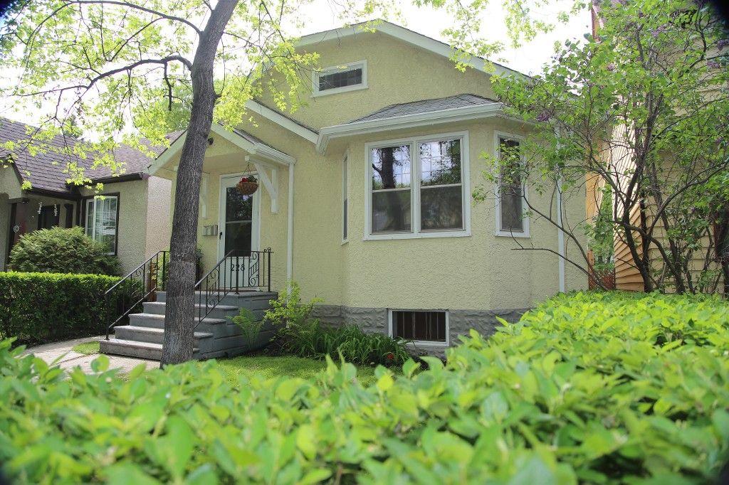 Photo 35: Photos: 228 Lenore Street in Winnipeg: Wolseley Single Family Detached for sale (West Winnipeg)  : MLS®# 1413025