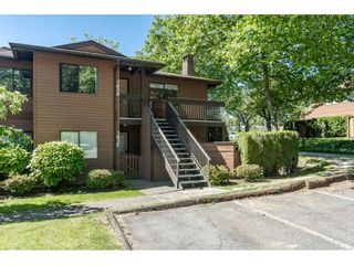 """Photo 1: 1914 10620 150 Street in Surrey: Guildford Townhouse for sale in """"Lincoln's Gate"""" (North Surrey)  : MLS®# R2379653"""
