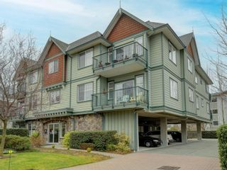 Photo 1: 301 9950 Fourth St in : Si Sidney North-East Condo for sale (Sidney)  : MLS®# 867374
