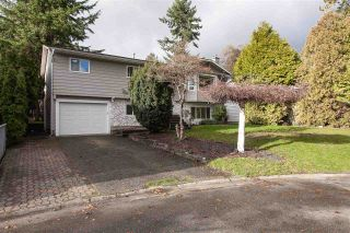 """Photo 2: 5811 ANGUS Place in Surrey: Cloverdale BC House for sale in """"Jersey Hills"""" (Cloverdale)  : MLS®# R2326051"""