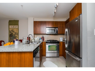 Photo 11: 119 5885 Irmin Street in Burnaby: Metrotown Condo for sale (Burnaby South)  : MLS®# R2061534