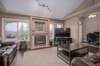 """Photo 3: 19 3555 BLUE JAY Street in Abbotsford: Abbotsford West Townhouse for sale in """"Slater Ridge Estates"""" : MLS®# R2516874"""