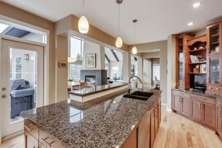 Photo 14: 279 Discovery Ridge Way SW in Calgary: Discovery Ridge Detached for sale : MLS®# A1063081