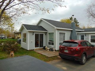 Photo 1: 1218 FOSTER Street in Waterville: 404-Kings County Residential for sale (Annapolis Valley)  : MLS®# 202101255