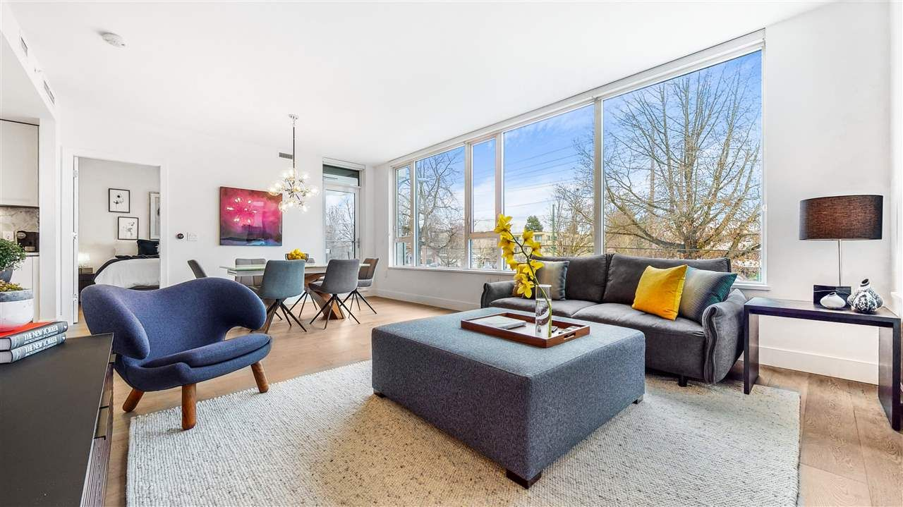 "Main Photo: 204 6333 WEST BOULEVARD in Vancouver: Kerrisdale Condo for sale in ""McKinnon"" (Vancouver West)  : MLS®# R2541231"