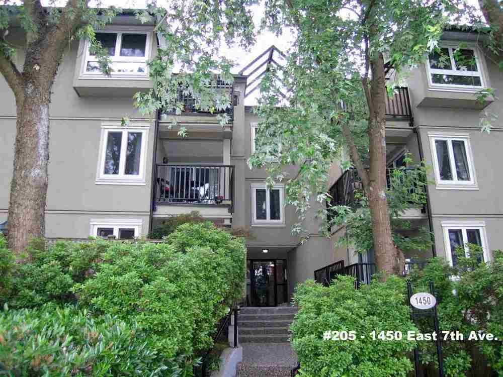 Main Photo: 205 1450 7TH AVENUE in Vancouver East: Home for sale : MLS®# R2073387