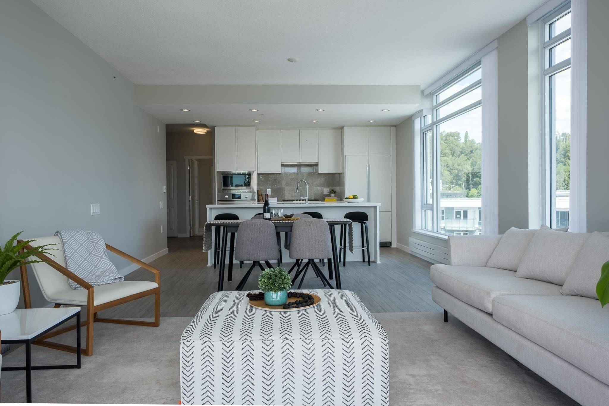 """Main Photo: 602 3188 RIVERWALK Avenue in Vancouver: South Marine Condo for sale in """"Currents at Water's Edge"""" (Vancouver East)  : MLS®# R2613034"""
