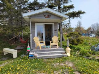 Photo 3: 10 Beatrice Street in Louisbourg: 206-Louisbourg Residential for sale (Cape Breton)  : MLS®# 202113603
