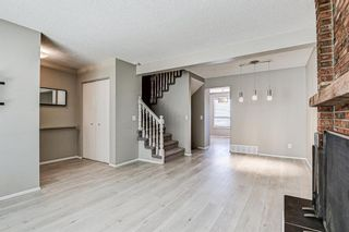 Photo 5: 137 Woodglen Way SW in Calgary: Woodbine Semi Detached for sale : MLS®# A1092343