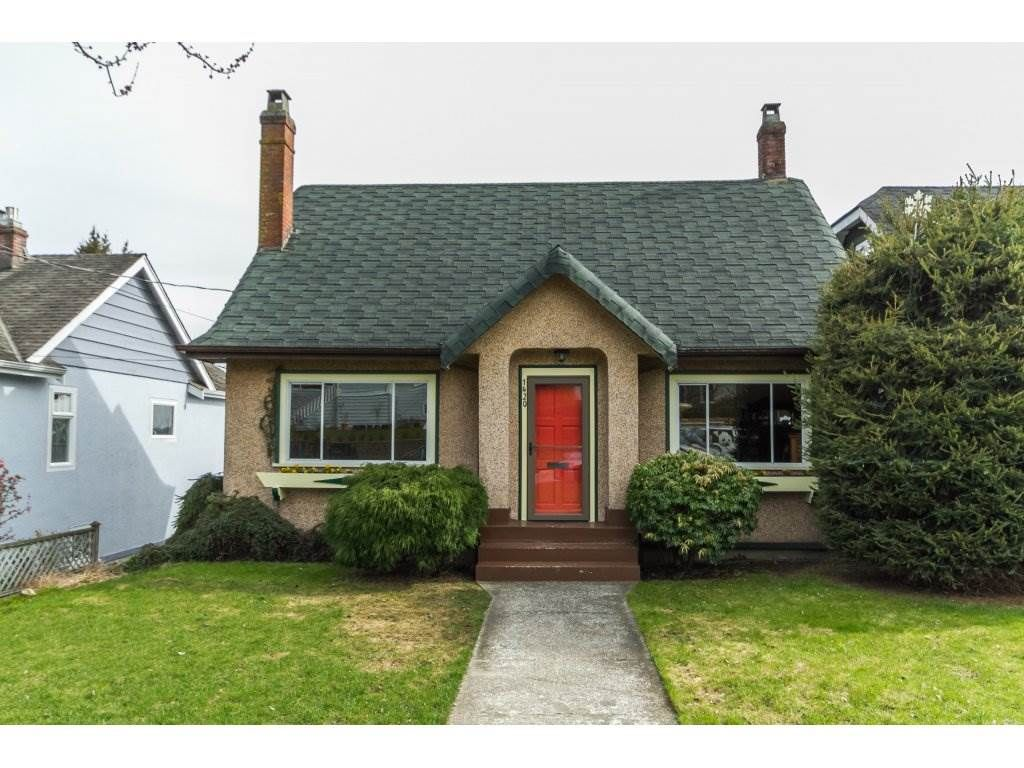 Main Photo: 1420 HAMILTON Street in New Westminster: West End NW House for sale : MLS®# R2148488