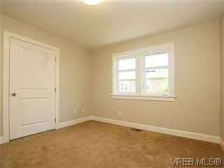 Photo 20: 211 Robertson St in VICTORIA: Vi Fairfield East House for sale (Victoria)  : MLS®# 585604