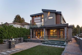 Photo 25: 2077 W 61ST Avenue in Vancouver: S.W. Marine House for sale (Vancouver West)  : MLS®# R2583083