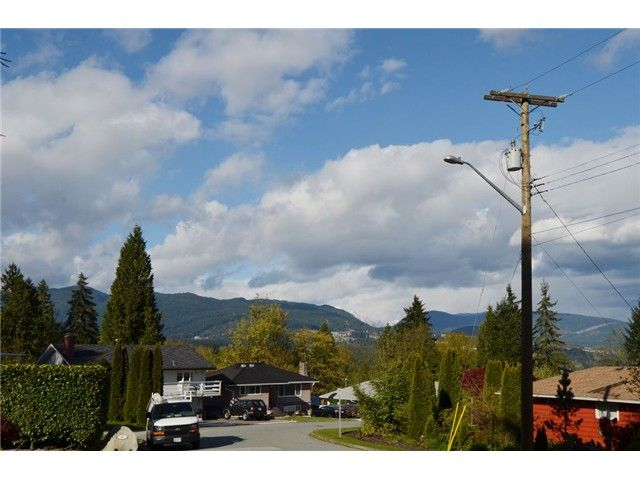 Photo 19: Photos: 49 MOUNT ROYAL Drive in Port Moody: College Park PM House for sale : MLS®# V1116562