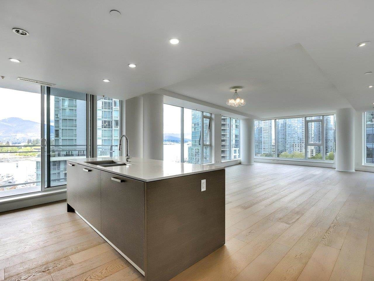 """Main Photo: 1002 1499 W PENDER Street in Vancouver: Coal Harbour Condo for sale in """"WEST PENDER PLACE"""" (Vancouver West)  : MLS®# R2583305"""
