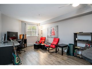 """Photo 5: 114 10533 UNIVERSITY Drive in Surrey: Whalley Condo for sale in """"Parkview Court"""" (North Surrey)  : MLS®# R2612910"""