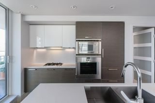 """Photo 9: 601 1499 W PENDER Street in Vancouver: Coal Harbour Condo for sale in """"WEST PENDER PLACE"""" (Vancouver West)  : MLS®# R2605894"""