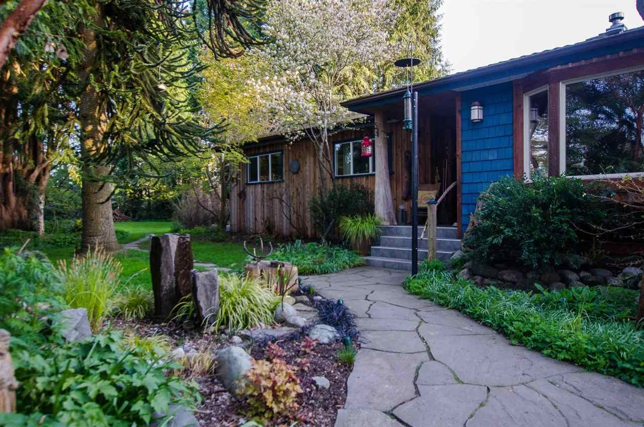 Main Photo: 5215 FERRY Road in Delta: Neilsen Grove House for sale (Ladner)  : MLS®# R2545669