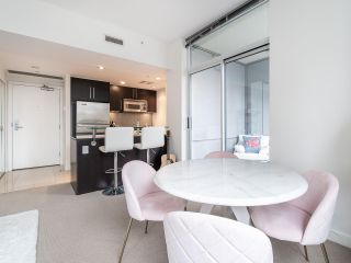 Photo 5: 1106 638 BEACH CRESCENT in Vancouver: Yaletown Condo for sale (Vancouver West)  : MLS®# R2499986
